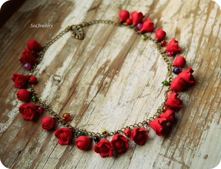 """Colier """"Red roses"""" - la comanda. (45 LEI la SeaJewelry.breslo.ro)"""