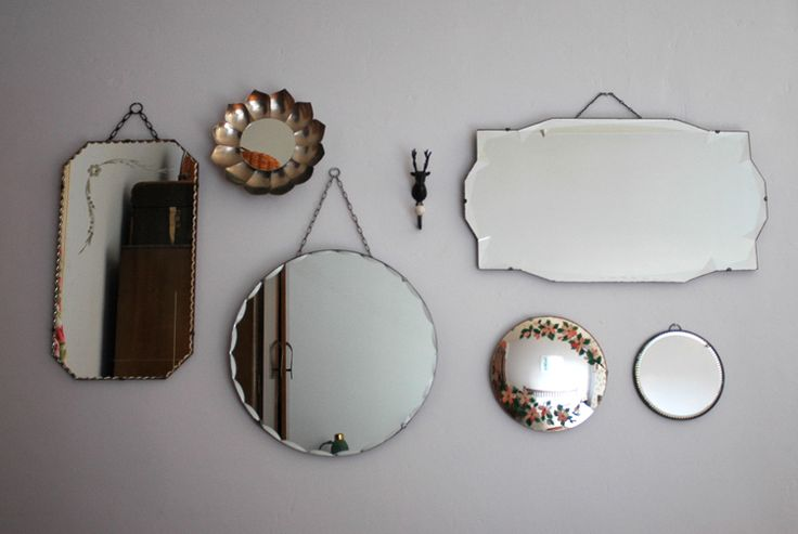 Vintage mirrors // http://ow.ly/XgvvH