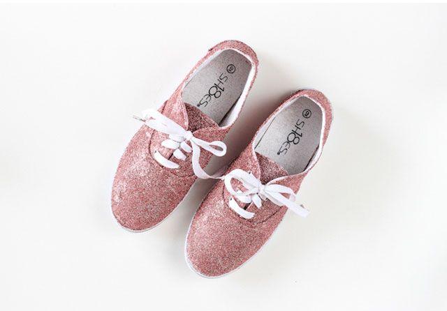 รองเท้าผ้าใบเคลือบกากเพชรวิบวับ Glitter shoes