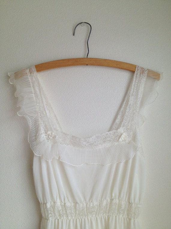 Vintage Romantic White Lace Nightgown Empire by TheLittleThingsVin