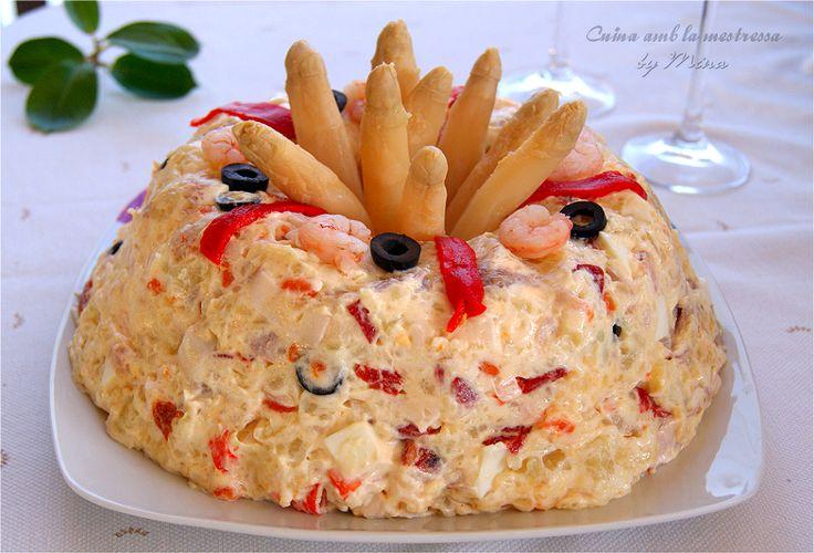 Pastel de ensaladilla de patatas y marisco