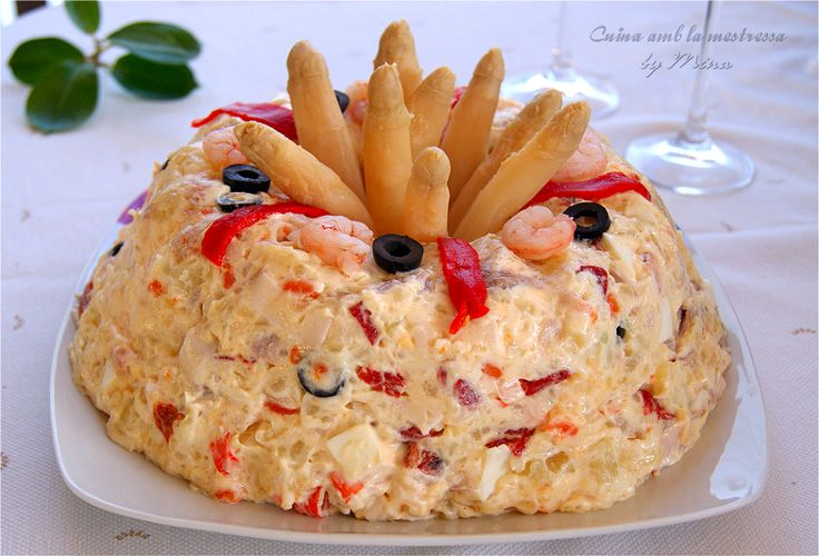 Como nos gustan las ensaladillas, especialmente la de patatas y las suelo preparar durante todo el año, aún en pleno invierno. Bien...