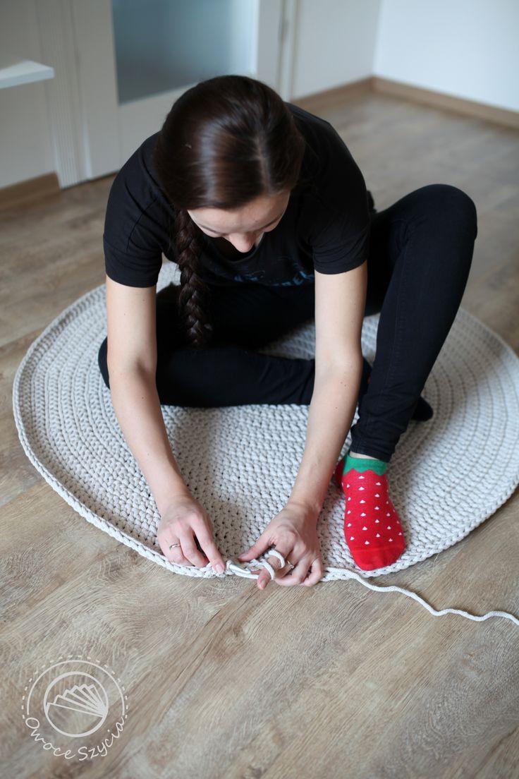 dywan na szydełku   crochet carpet, croched rug #manymornings socks ;)