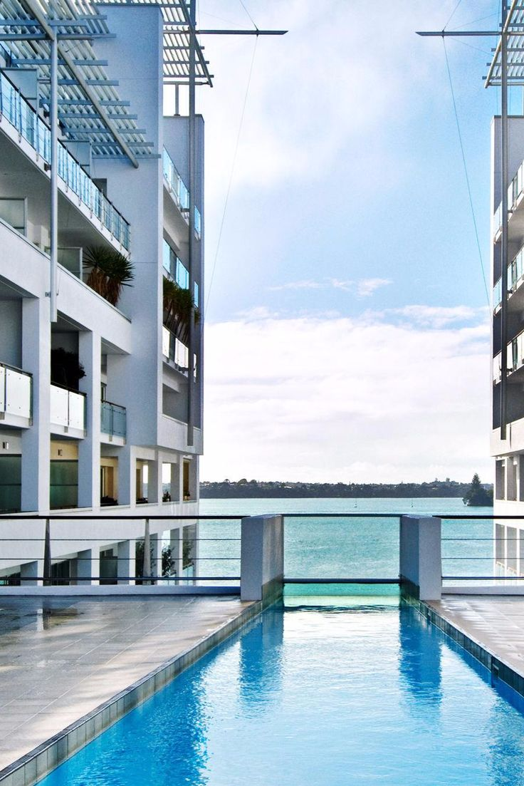 Take a dip in the outdoor heated pool, complete with an underwater viewing window. Hilton Auckland (Auckland, New Zealand) - Jetsetter
