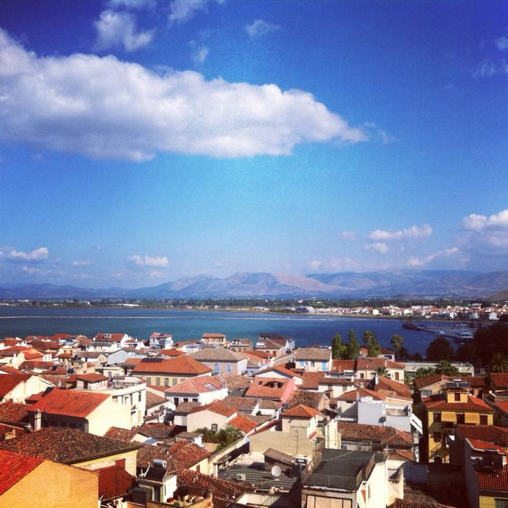 View of the old town and Nafplio's port!!