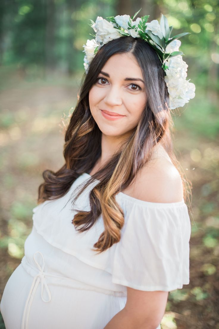 Photographed in beautiful Wake Forest, North Carolina, this outdoor maternity session will give you all the feels!  This gorgeous mama-to-be totally rocked her hydrangea flower crown and airy white dress!