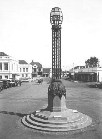 Bandoeng_lamp_1926