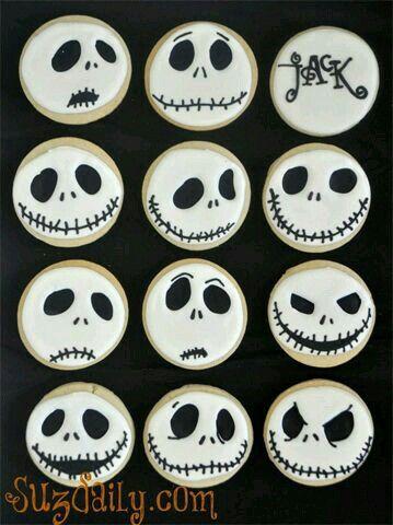 skull cookies for halloween biscuits. biscotti teschio #halloween #cookies