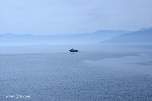 Fishing boat off the port of #Nafplio in the calm waters of the #Argolic Gulf, #Peloponnese - #Greece