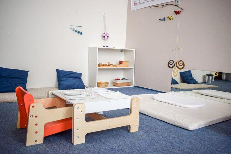 Dětský rostoucí nábytek Mimimo v pracovně pro nejmenší v Montessori škole Andílek. #RostouciNabytek #nabytek #deti #zidle #DetskyNabytek #mimimo #detskypokoj #bydleni #interier #stul