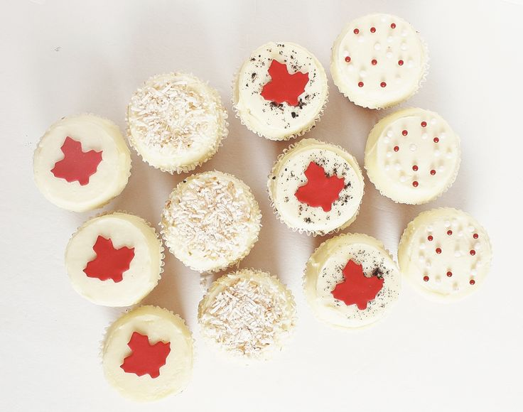 Canada Day Cupcakes by CarlasCakes best in Ottawa check out others at www.CarlasCakesOnline.com