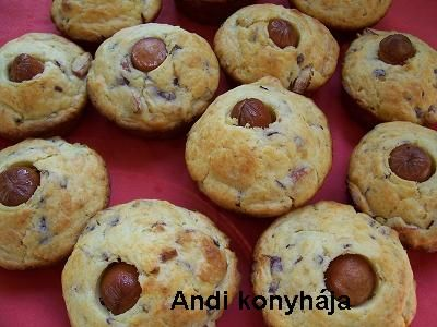 Virslis, hagymás, sajtos muffin