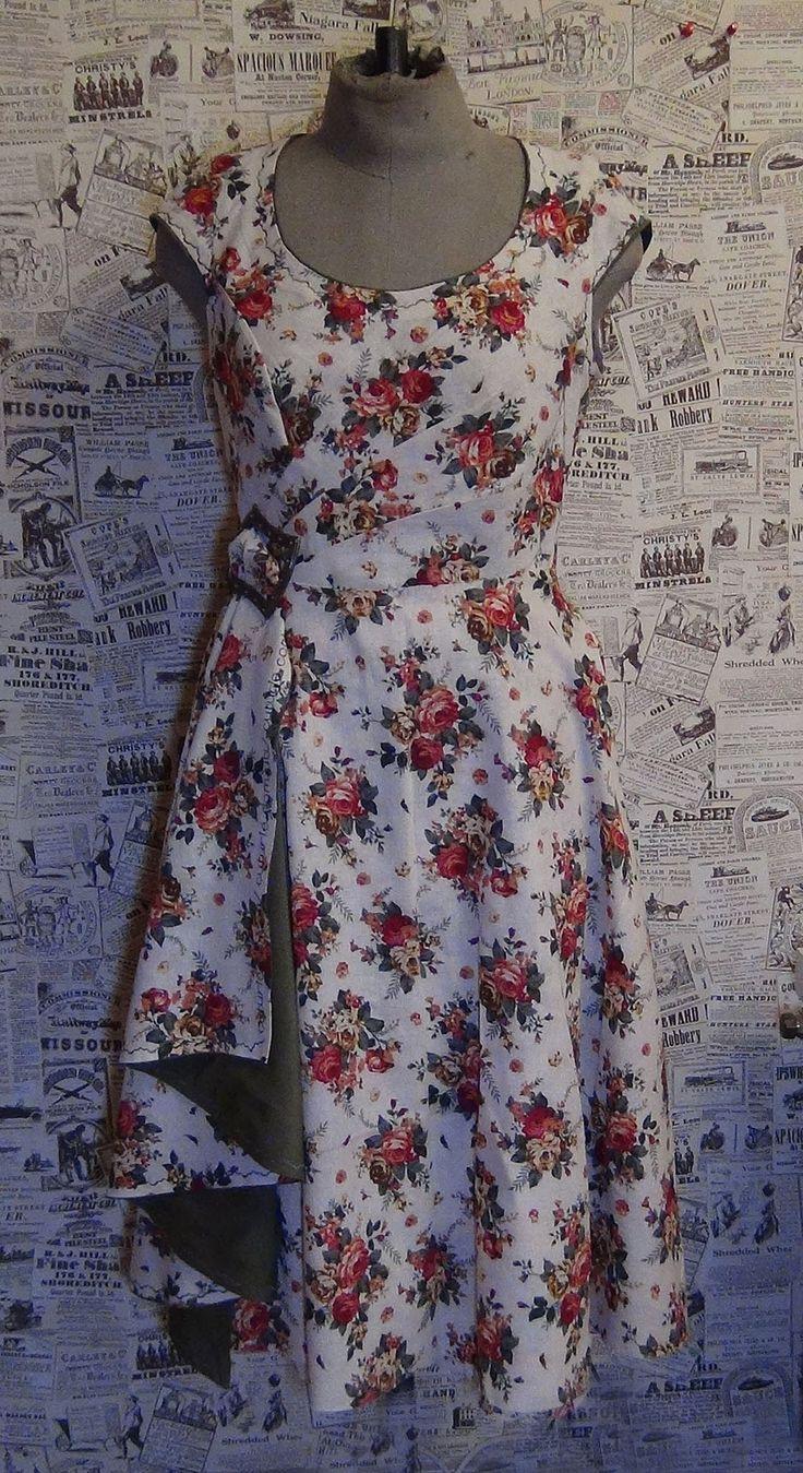 недавно, шитье платьев с картинками этого достаточно мелко