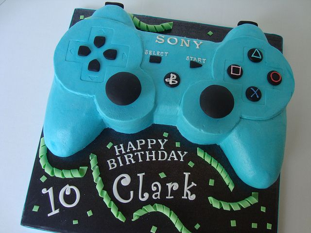 playstation controller 2 by Let There Be Cake, via Flickr