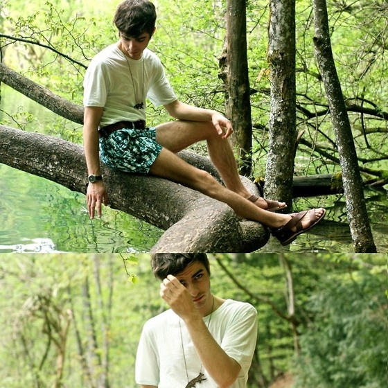 Cos Sea Gree Tee, Titimadam Fox Necklace, Maison Martin Margiela Sandals, H Nature Printed Short, Lumi Belt, Seiko Watch
