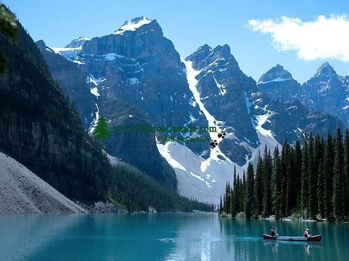 Moraine Lake, Banff National Park....less than 1.5 hours away from my home in Calgary....how beautiful!