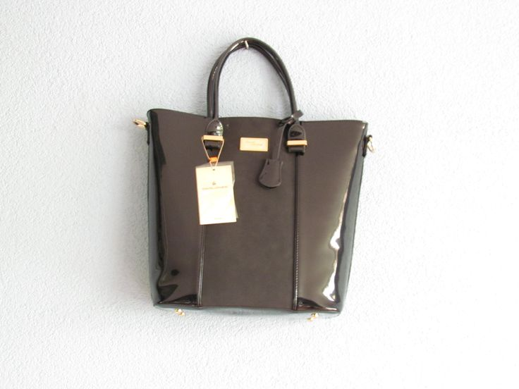 Zwarte tas(lak) Artikelnummer: 0720 Prijs: € 26,95