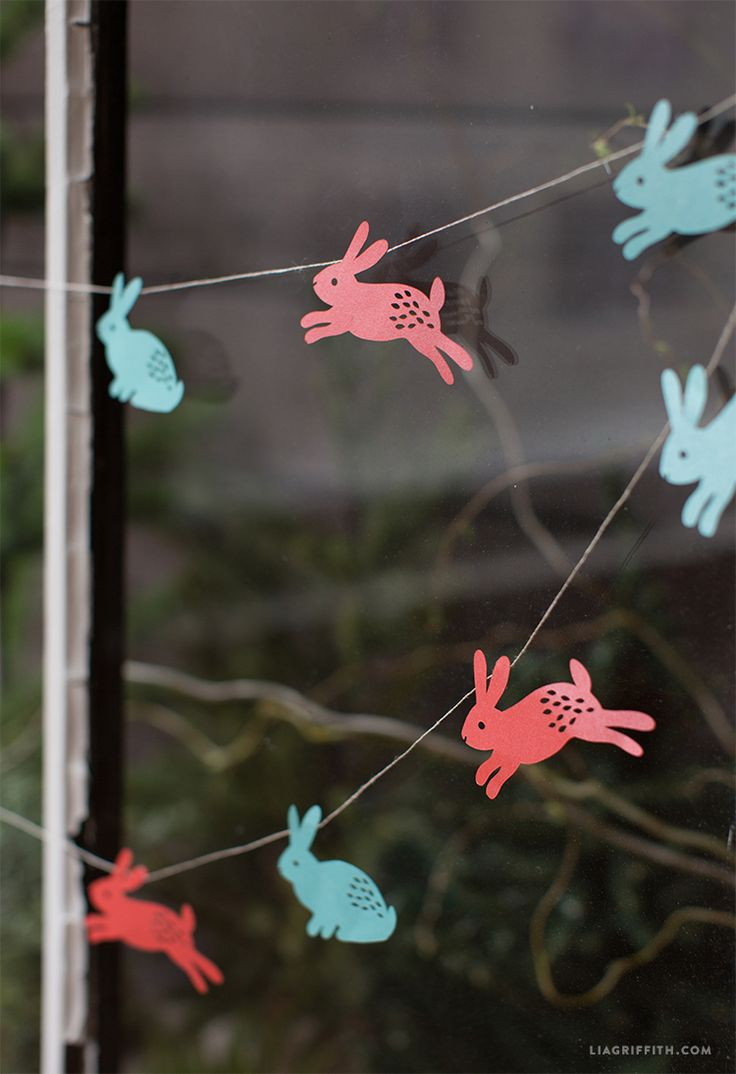 DIY Easter Garland from MichaelsMakers Lia Griffith