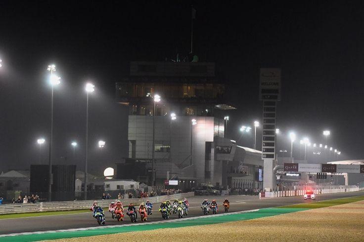 Старт | Гонка MotoGP Гран-При Катара, Лосайл | 2017 01 GP Qatar 00322