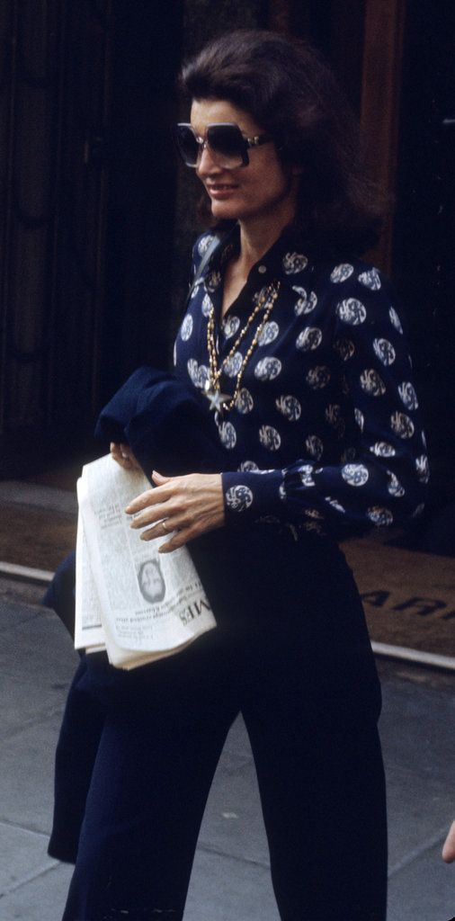 Jacqueline Kennedy Onassis-- so chic and glamorous! Need navy slacks + blouse. Getting closer for what I would wear