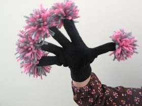 pom pom gloves how to make