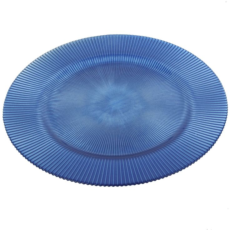 Set this large charger under formal dinner plates for some added color, or take advantage of the large size to serve hors d'oeuvres. The subtle texture and rich color give it a quality look and feel.
