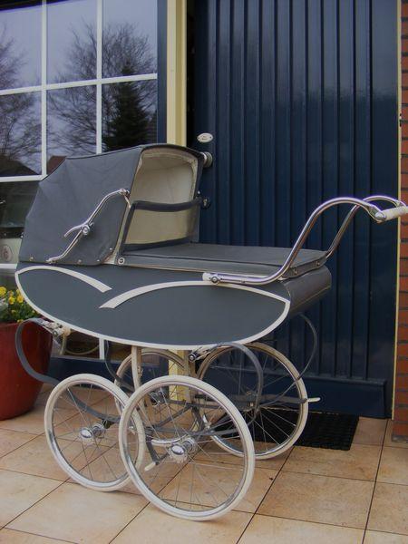 mutsaerts nederlandse kinderwagen uit de jaren 60 kinderwagen nostalgie com p r a. Black Bedroom Furniture Sets. Home Design Ideas