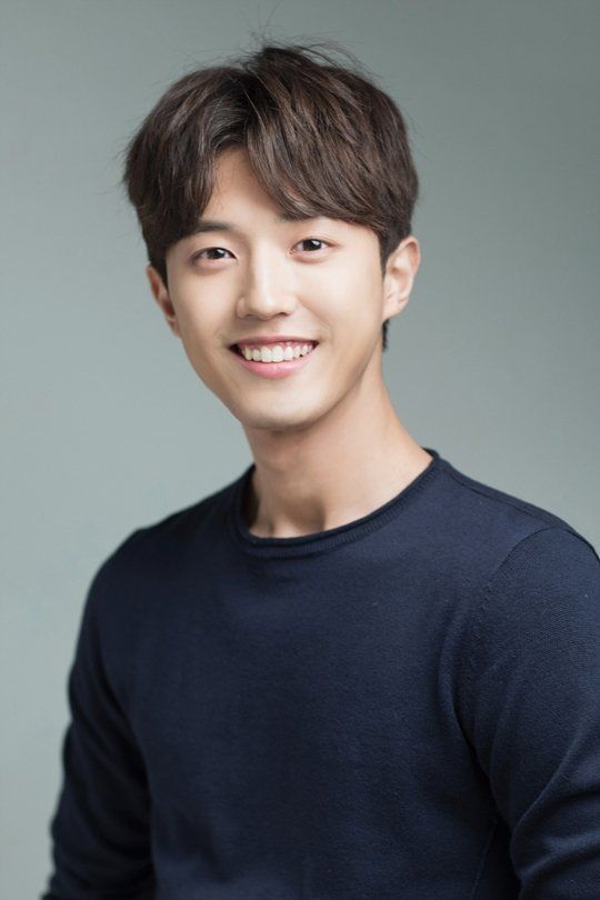 """Kang Yoon-je to star in """"The B Manager and the Love Letter"""""""