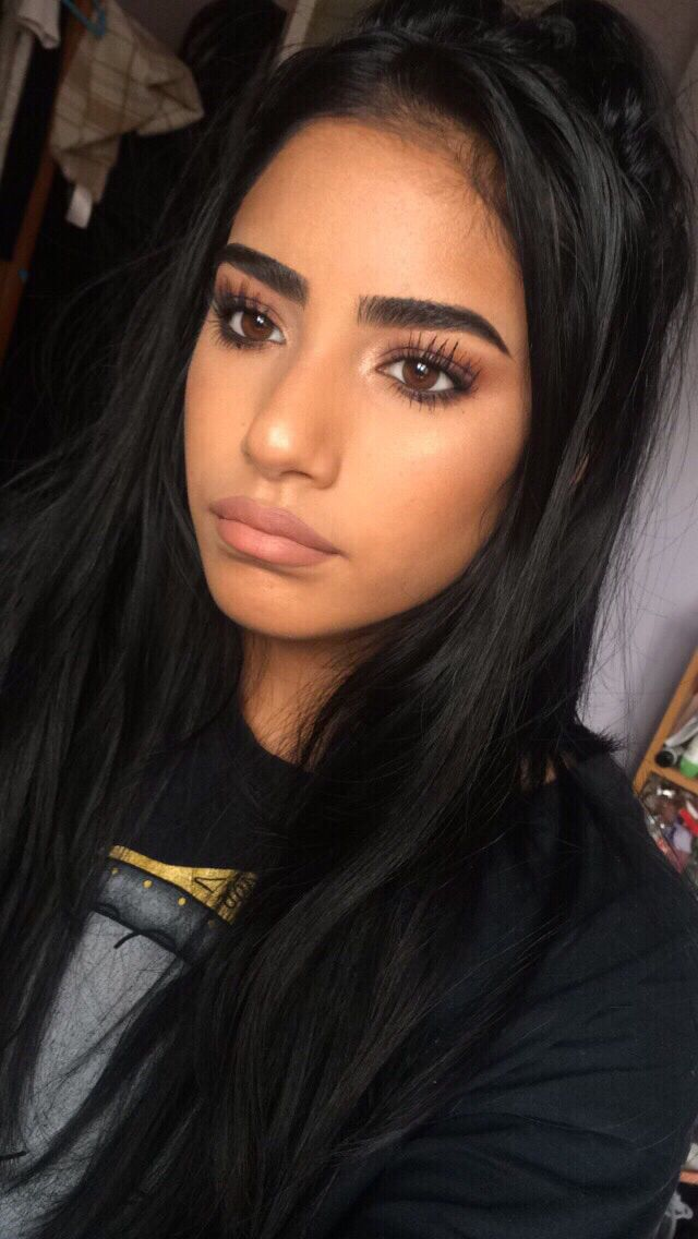 I love her eyelashes, not so sure about them thick brows