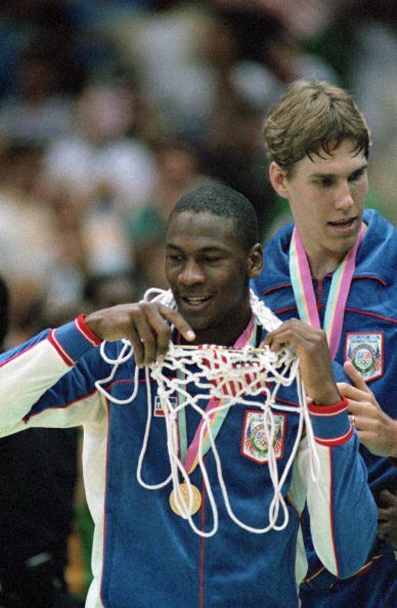 Michael Jordan Through The Years: Photo Retrospective - HK-KICKS.COM