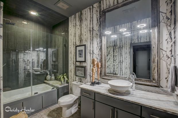 Bathroom interior.  Interior decorator, Gary Taylor.  Memphis, TN