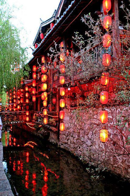 lanterns hang in Lijiang, China #NomadsSecrets