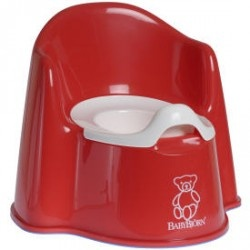 Best Potty Chair for boys! Built in splash guard is a life saver!