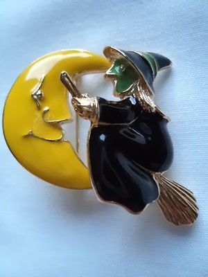 Vintage Unsigned  Moon/Witch on Broomstick Trembler  Brooch/Pin. Witch Moves. Approx 1 3/4 inches wide. Freepost within UK only. Postage cost is the amount to send 2nd Class Delivery. £1.00 each extra
