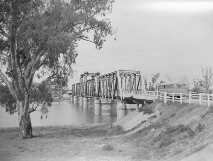 Old bridge crossing the Murray River