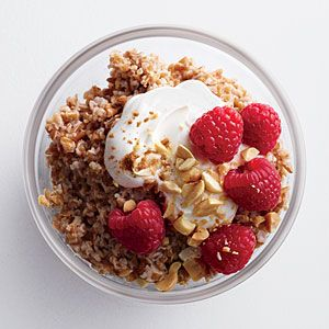 Crunchy Peanut Butter Bulgur with Berries | Yummy...I was thinking to swap the milk for coconut milk.
