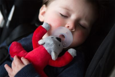 The Cheeky Bug Christmas Gift Guide includes the gorgeous @gooliegoolie dummy + comforter and other great products