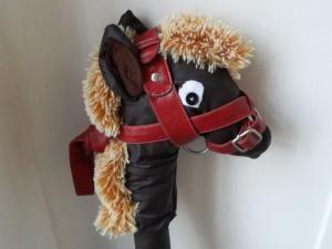 Boîte à couture #9: un bâton cheval pour petit canaillou [DIY]. • Hellocoton.fr