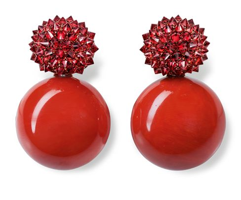 Hemmerle, earrings, coral, sapphires, pink gold, copper