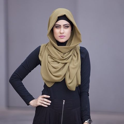 Our olive green georgette hijab. Sells for $13.94 www.verona-collection.com #verona #veronacollection @trulysarahkay