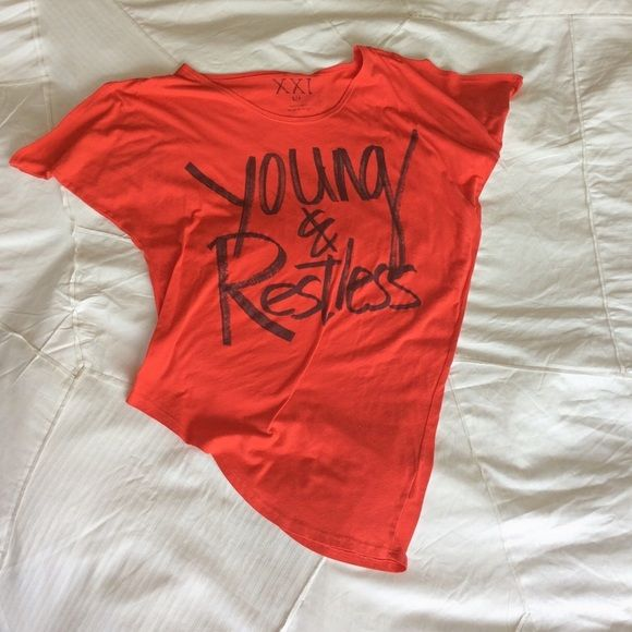 """Red slouchy young & restless top Extremely comfortable long slouchy top. Says Young & Restless in a """"sharpied"""" style hand writing. Forever 21 Tops Tees - Short Sleeve"""