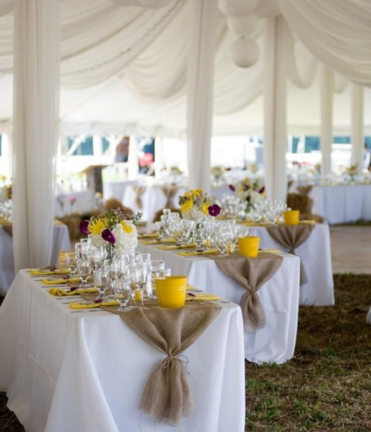 Burlap Table Runners I like they way