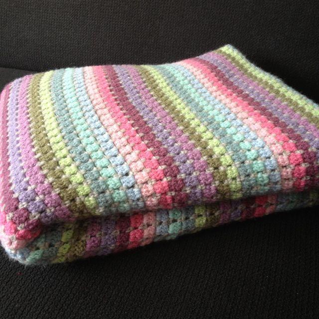 'Deken van oma'  wol evt via http://blij-dat-ik-brei.blogspot.nl/