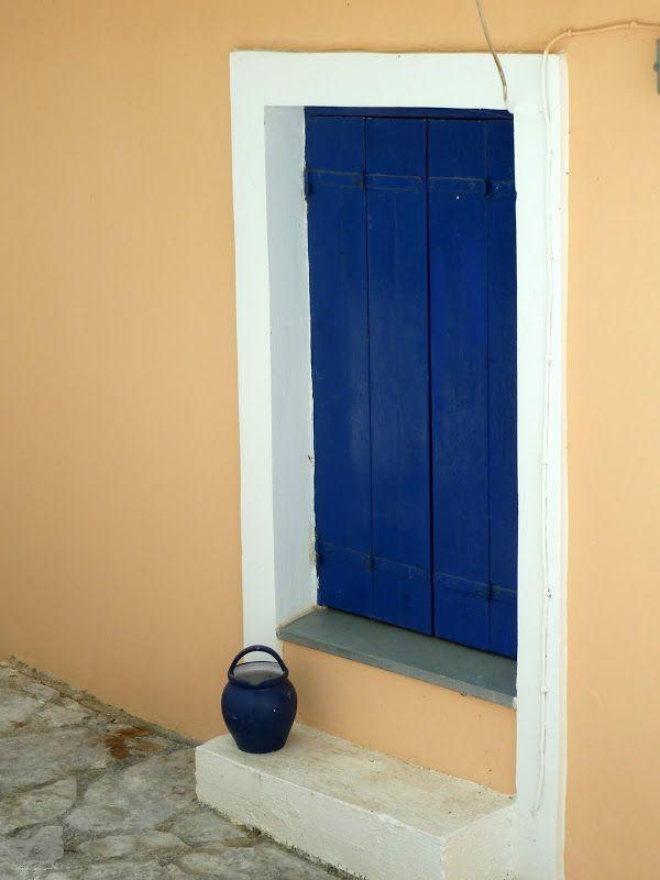 Πόρτα στο Καλαμίτσι.