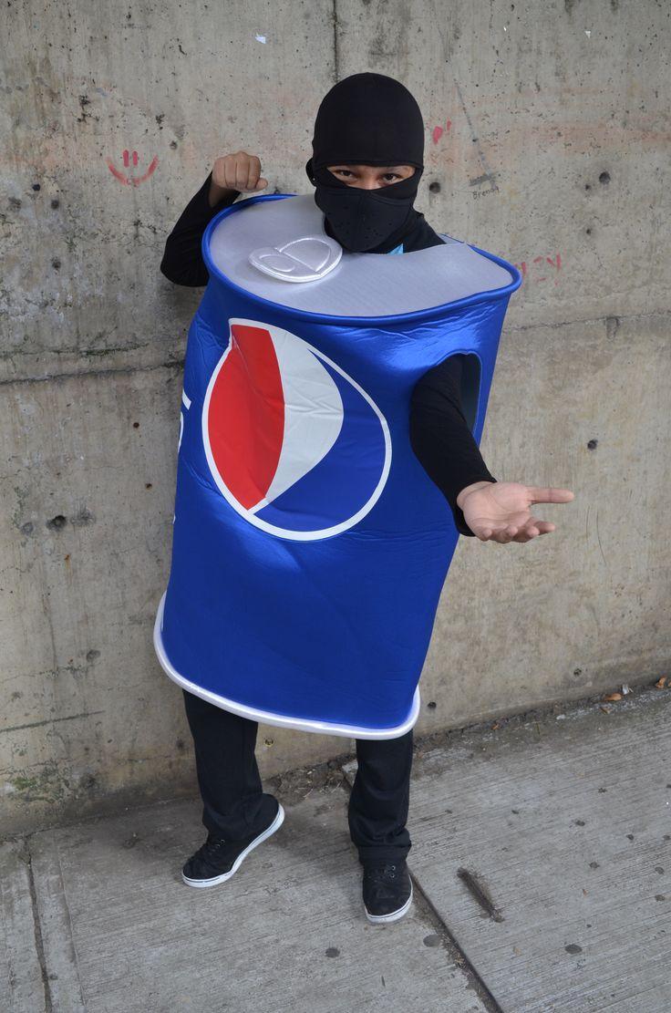 Título de la Obra: Wanna' Pepsi? Autor: Bastida Colin Vanessa . Fecha de realización: 30/10/2015.  Apertura de diafragma: f5.6 Velocidad de obturación: 1/125 . ISO: 400  . Distancia focal: 25 mm.