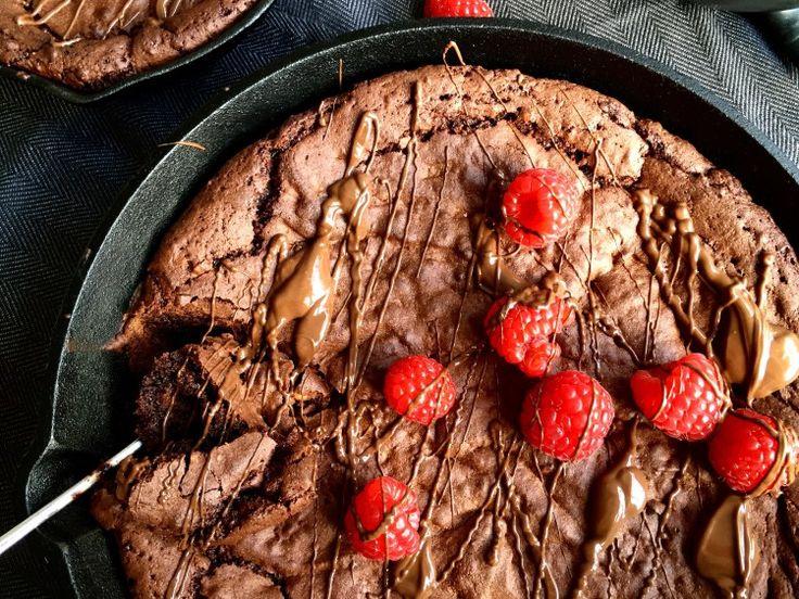 Gooey chocolate skillet brownie