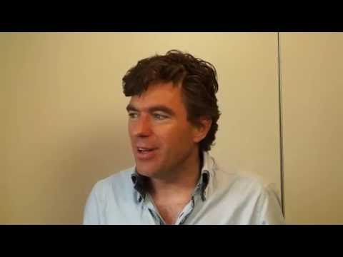 Rob Overgaauw in gesprek met Reinder kort voor de workshop in de balzaal in Gouda