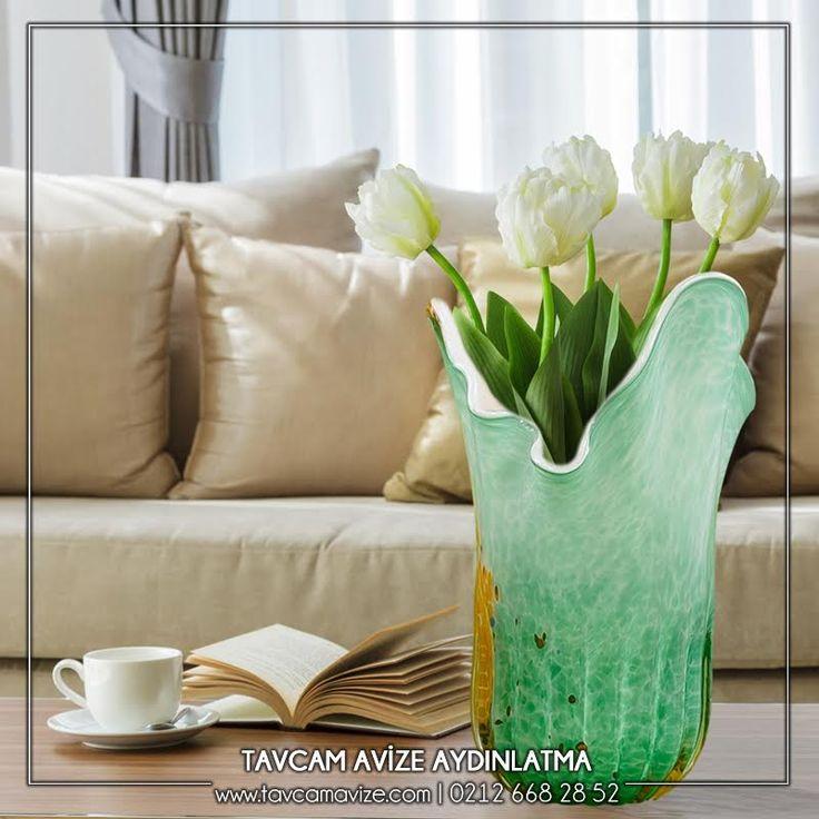 Tavcam'ın Rengarenk Vazolarıyla Evinizi Renklendirin. Dekoratif El Yapımı Turkuaz Yoğunluklu Vazo En Uygun Fiyatlarla Sadece Tavcam'da! Ürünü Detaylı İncelemek İçin Linke Tıklayınız:  http://bit.ly/2kdKsYl #tavcam #tavcamavizeaydınlatma #tavcamavize.com #vase #turkuaz #glass #decoration