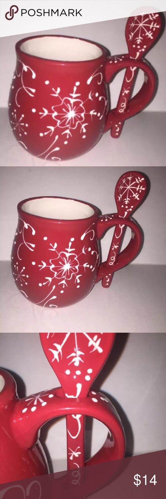 Cracker Barrel Christmas mug with Spoon🎄🎄🎄🎄 Cracker Barrel Christmas 🎄 mug with Spoon red and white gorgeous cracker barrel Other