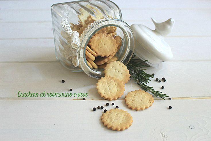 Crackers+al+rosmarino+e+pepe